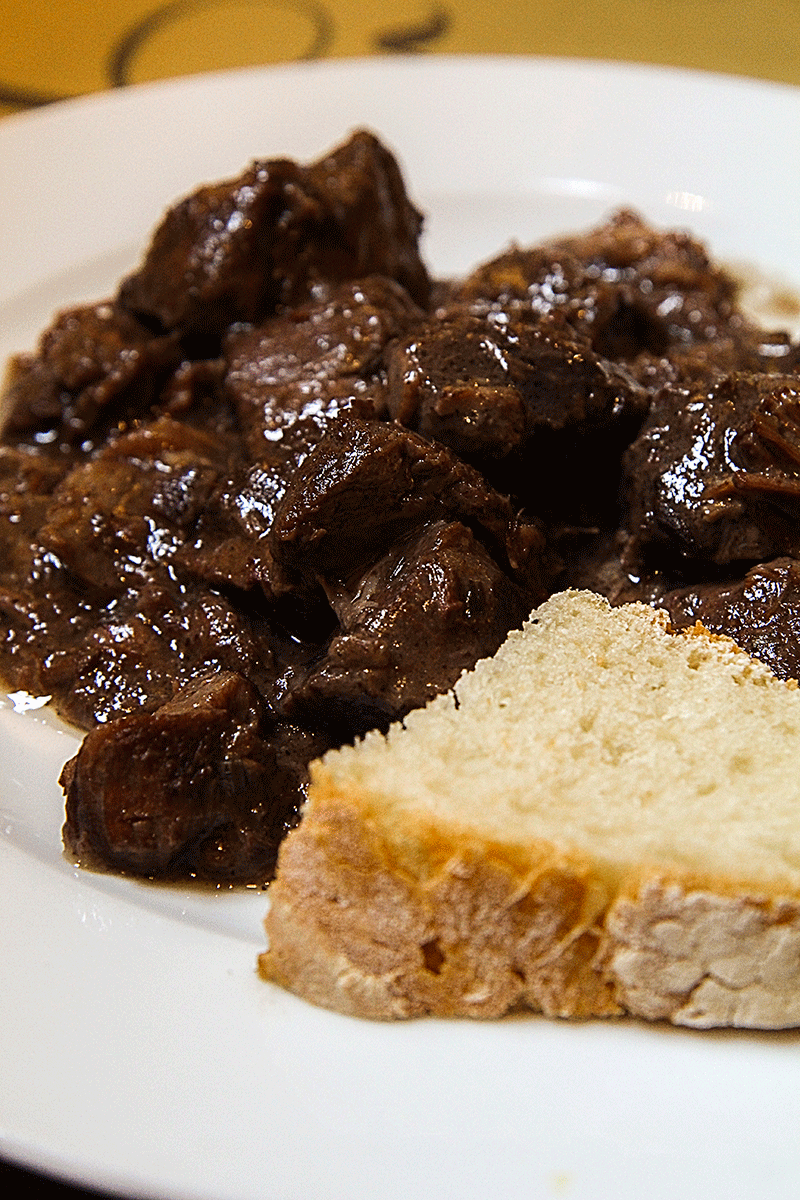 Tuscan stew - Peposo - what to eat in Florence, Tuscan, Italy