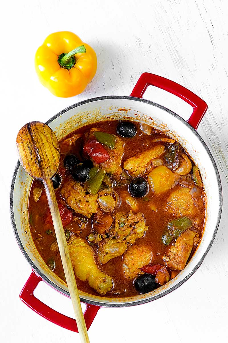 ITALIAN CHICKEN STEW WITH BELL PEPPERS - pollo ai peperoni - philosokitchen.com