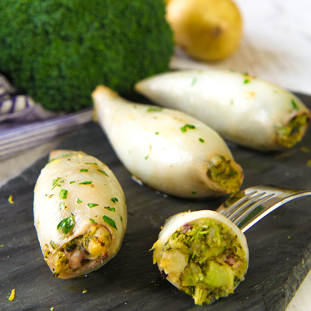 STUFFED SQUID RECIPE with broccoli and potatoes