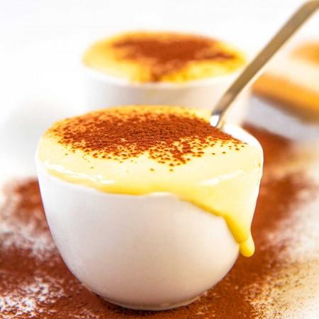 PASTRY CREAM RECIPE with eggs, milk and cream