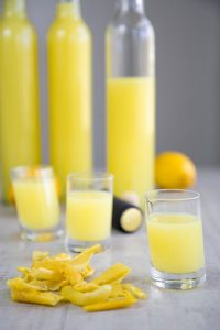 HOMEMADE LIMONCELLO ITALIAN RECIPE - ready in 3 days!