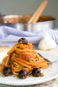 PASTA PUTTANESCA RECIPE with garlic, black olives and capers