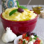 SKORDALIA RECIPE - Greek garlic mashed potatoes
