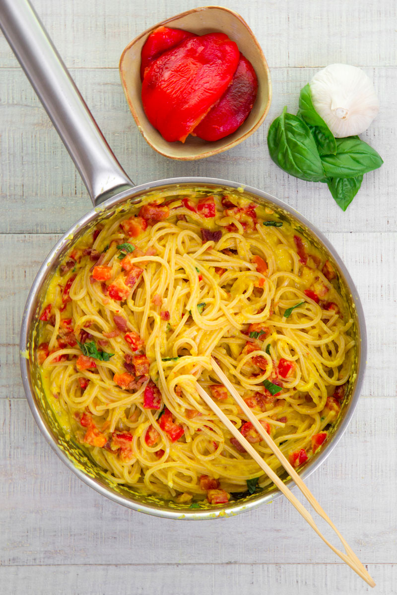 ROASTED BELL PEPPERS PASTA SAUCE with Italian pancetta and basil
