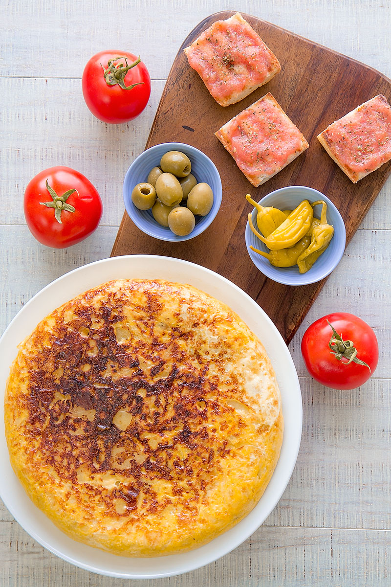 TORTILLA DE PATATAS (spanish omelette) recipe & history - all you need to know!