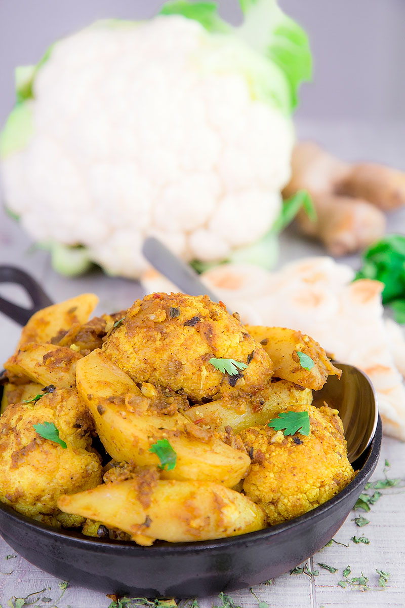 ALOO GOBI RECIPE - Indian stir-fry potatoes and cauliflower