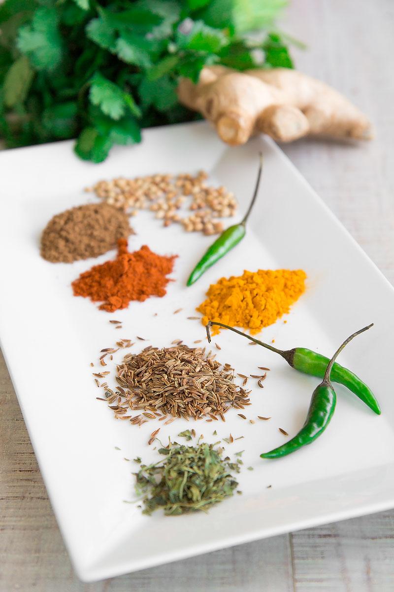 ALOO MATAR RECIPE: peas and potatoes Punjabi curry - all you need to know!