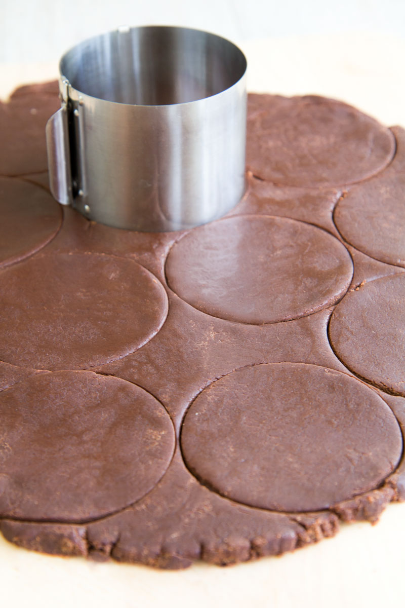 ITALIAN COCOA FROLLINI RECIPE with white chocolate chips