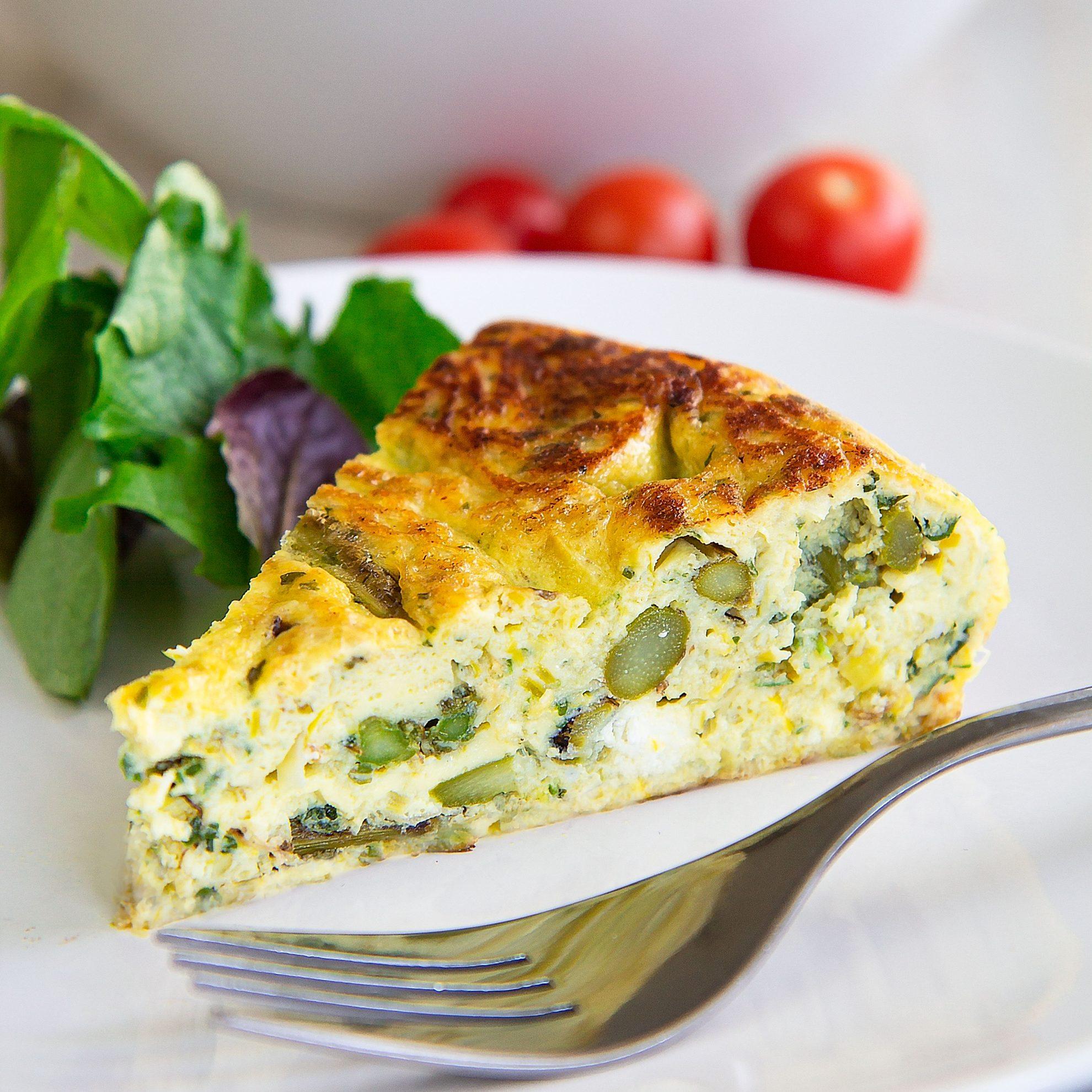 ASPARAGUS FRITTATA with goat cheese - Italian recipe