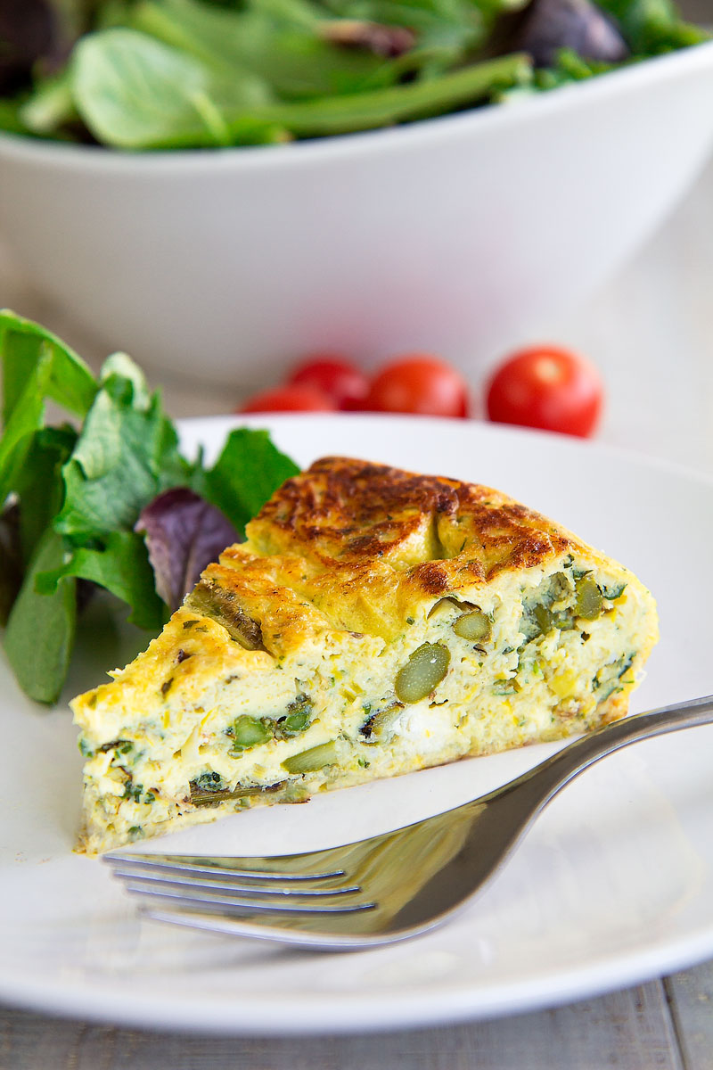 ASPARAGUS FRITTATA with goat cheese - Italian recipe