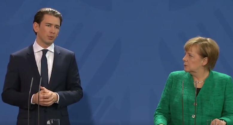Kurz lässt Merkel alt aussehen