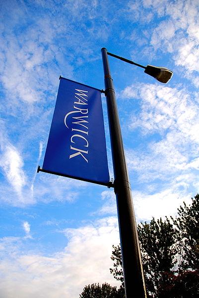 401px-University_of_Warwick_flag_2007