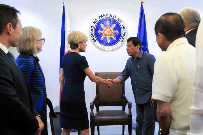 President Rodrigo Roa Duterte discusses South China Seas and terrorism issues with Australian Minister of Foreign Affairs Julie Bishop, who pays a courtesy call on the President, at the Presidential Guest House in Davao City on March 17, 2017. (Photo by Ace Morandante/Presidential Photo/PNA)