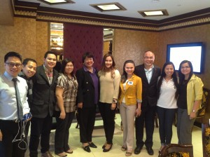 Consul General Gigi Kalong (fifth from left) with the young politicians. Also in the picture are Chito Javier, Convenor of 3ZZZ Ethnic radio (second from left); Alice Gregorio-Nicolas, Editor-in-Chief/Publisher of The Philippine Times (right) and Raine Cabral, Philippine Consulate staff (second from right).