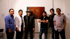 Caesar Sario with FAME Filipino Artists of Melbourne members.