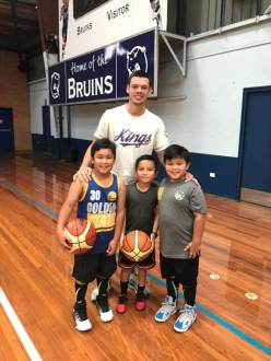 Julian Ethan and Jaylen with Jason Cadee of Sydney Kings PHOTO: Anthony Montano