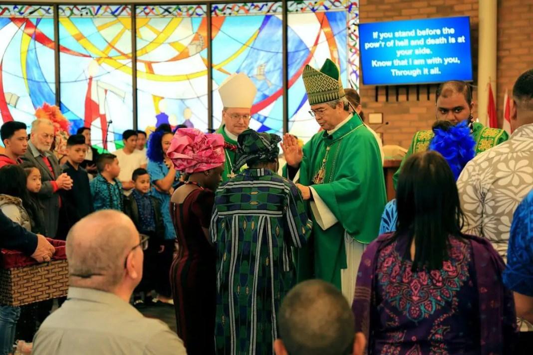 Gifts are presented to Papal Nuncio Tito Yllana | Photo: Sophy Morley via Facebook