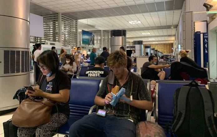 Passengers at boarding gate | Photo: Gayzha Davao