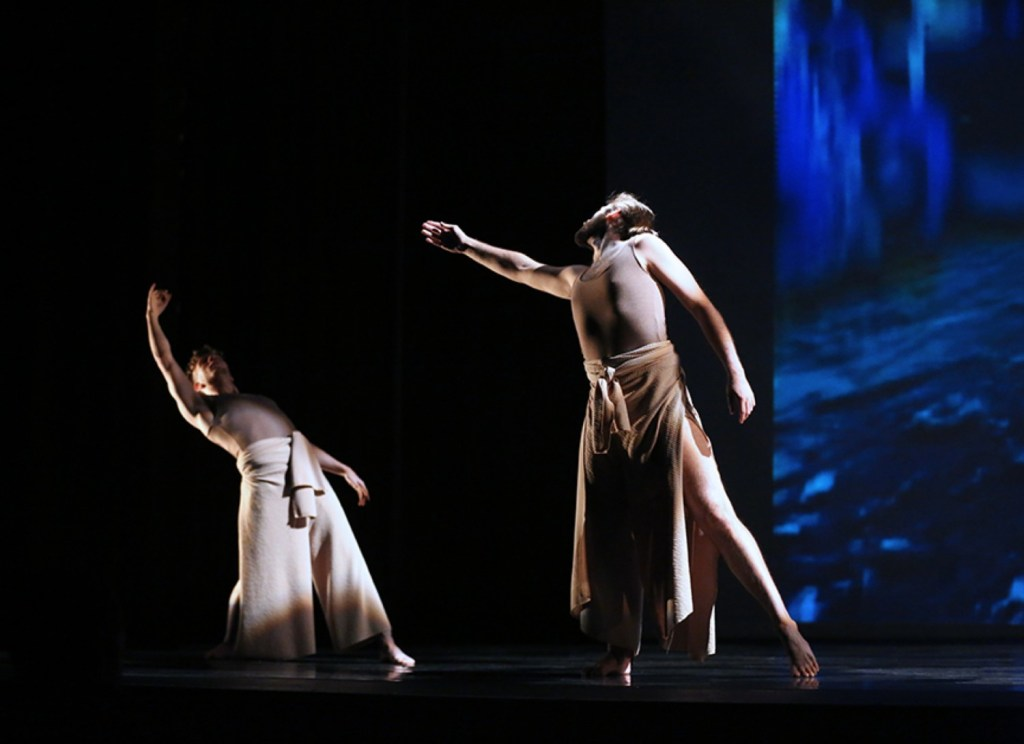 shamanicinterfaces_Group-Motion-Multi-Media-Dance-Theater