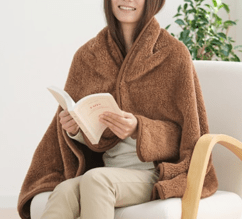 Wrap yourself with Phiten blanket