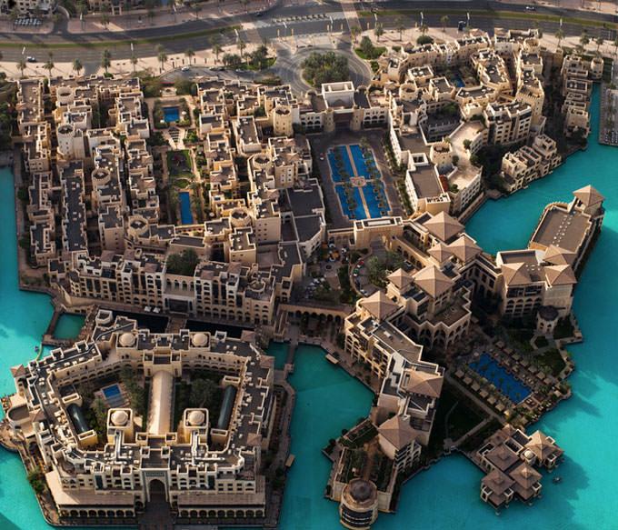 Dubai by Max Burda