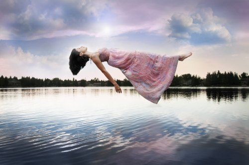 Photoshop Tutorials: The Beginners Guide to Levitation