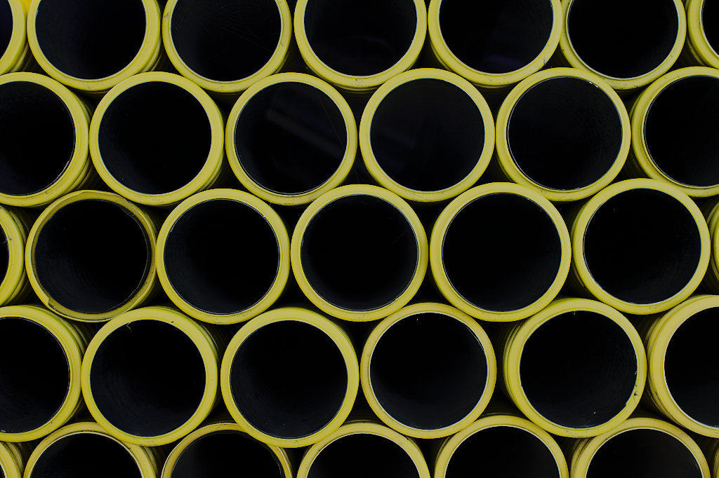 picture of yellow industry pipes