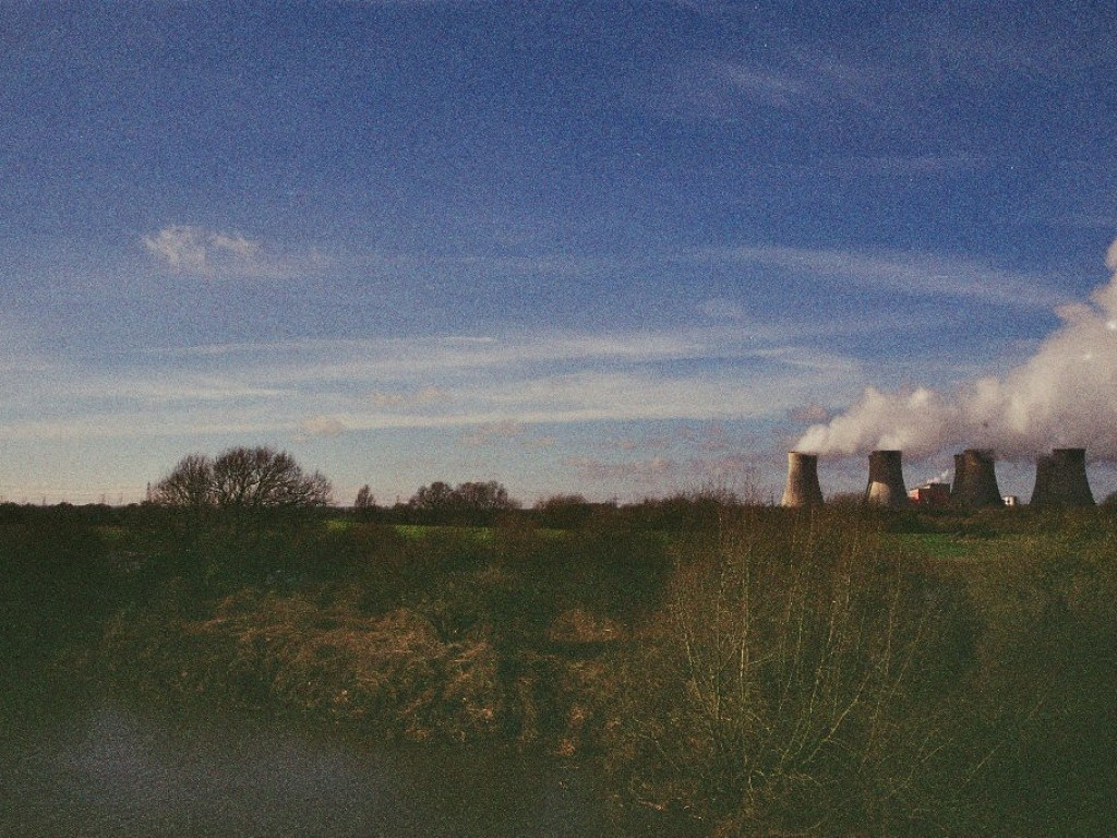 Cottam power station viewed from Torksey