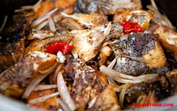 Een pan Ca kho (foto: Pho Vietnam © Kim Le Cao)