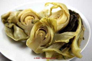 Ingemaakte mosterdsla (foto: Pho Vietnam © Kim Le Cao)