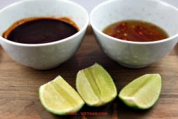 Sauces and lemon (photo: Kim Le Cao © Pho Vietnam)