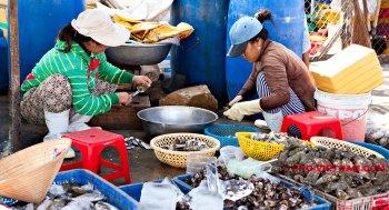 Vrouwen in een vissersdorp (foto: Pho Vietnam © Kim Le Cao)
