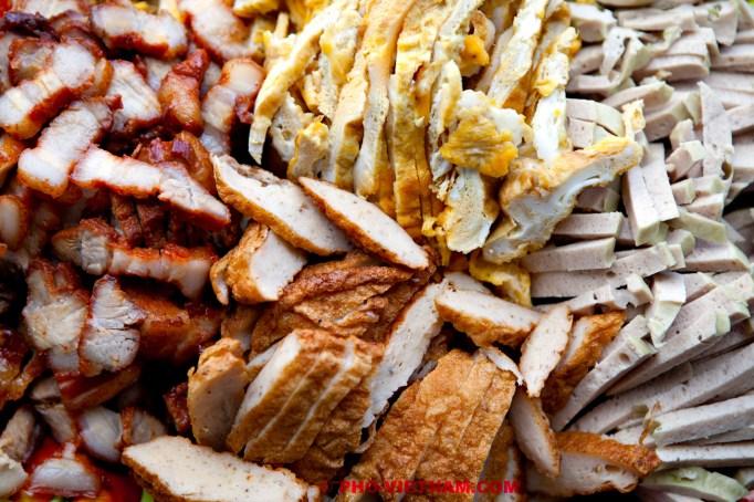 Vier soorten vlees voor Banh mi (foto: Pho Vietnam © Kim Le Cao)