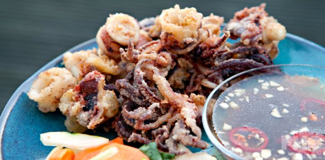 Fried squid with tamarind sauce (foto: Kim Le Cao © Pho Vietnam)