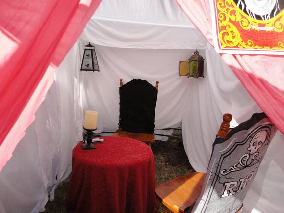 http://www.halloweenforum.com/party-ideas-experiences-and-recipes/115766-cirque-du-carnevil-2012-a-114.html