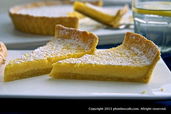 레몬 타르트 만들기 입니다. 크림을 넣어 신맛도 중화 시켜주고 고소한 맛은 증가 시켜준 조금 럭셔리한 프랑스식 레몬 타르트예요. http://phoebescafe.com/lemon_tart_ko/
