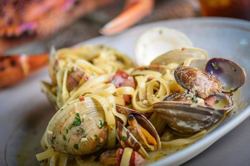 Crab & Mermaid Fish Shop Summer Specials Fettuccine Con Vongole