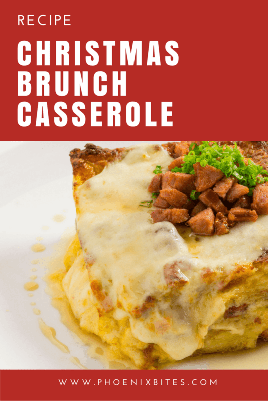 Christmas Brunch Casserole : this delicious combination of eggs, cheese, sausage and bacon is perfect for Christmas morning! | www.phoenixbites.com