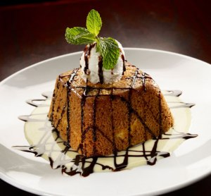 Scottsdale Thanksgiving Deals: From Dining in to Taking it all Home: Arrowhead Grill Butter Cake