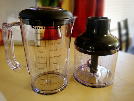 1-liter pitcher and 2.5 cup chopper attachment