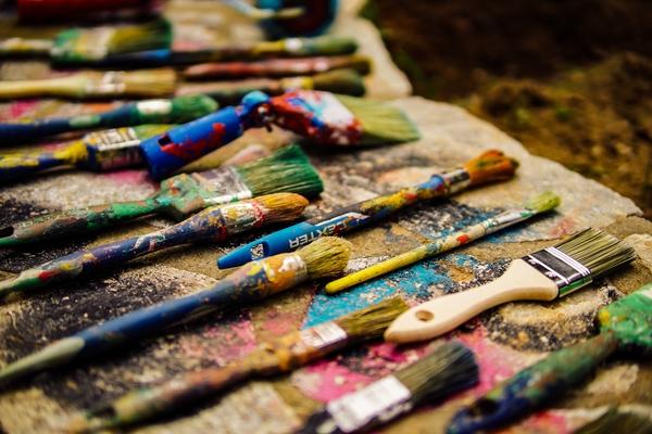 Photo of paintbrushes