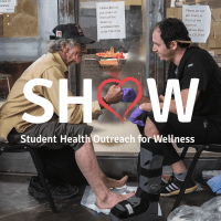 """Phoenix homeless struggle to find healthcare, so """"Street Medicine"""" brings it to them."""