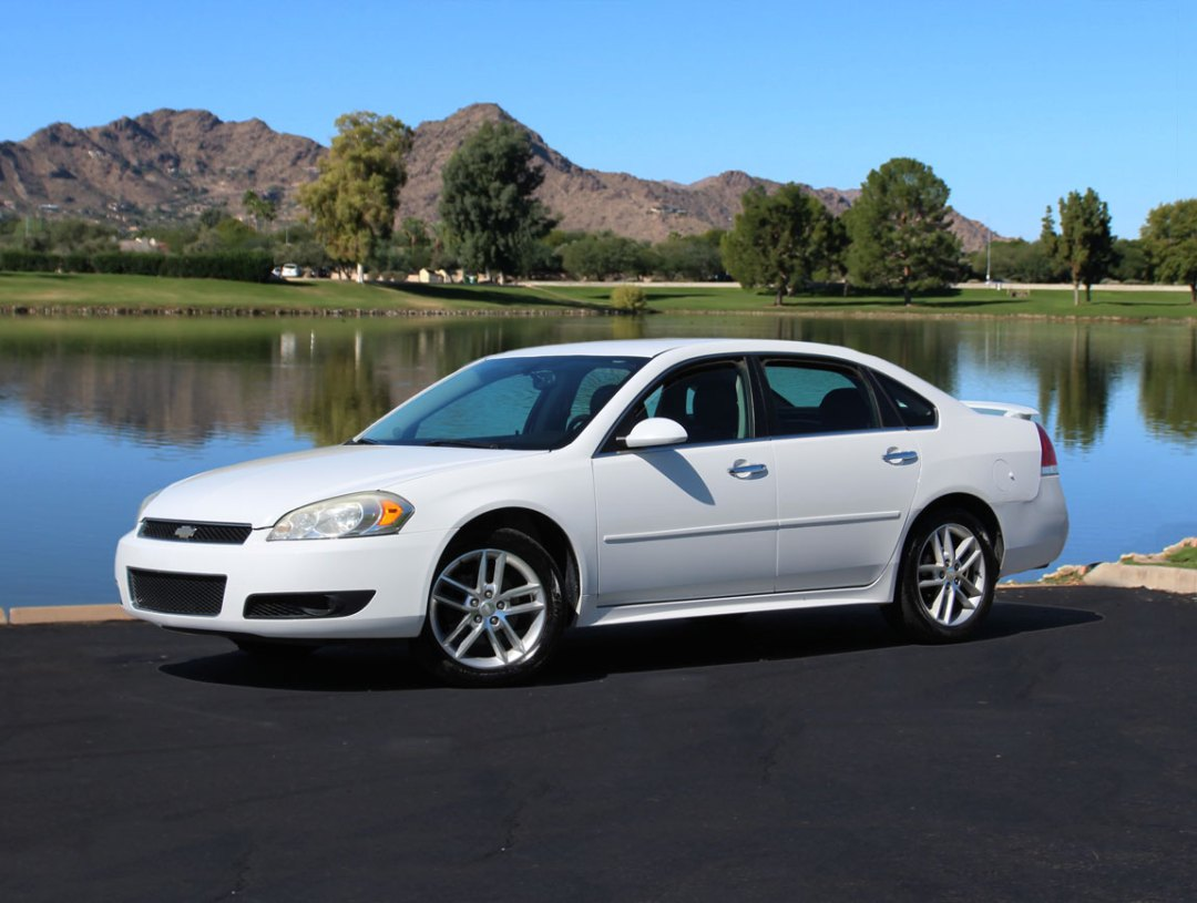 Phoenix Car Rental rents Ford, Chrysler, and GM cars in Phoenix, Arizona