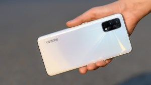 Infinix Zero 8i Vs Realme 7 hindi review: which is better, more powerful