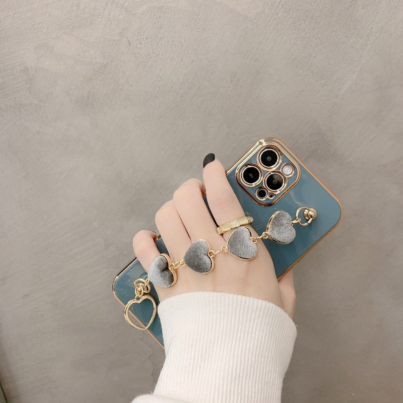 Heart Bracelet Chain Cover for iPhone 12 Pro Max 11 Pro Luxury Plated Gold Hand Holder Cases for iPhone 8 Plus 7 XR XS X SE 2020
