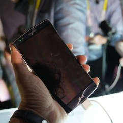 LG G Flex 2 Hands-on Front