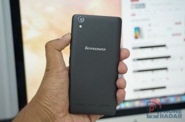 Lenovo A6000 Hands-on Back