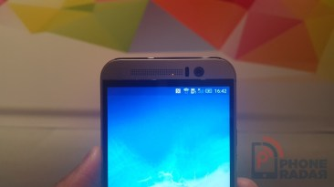 HTC One M9 Hands-on Front Top