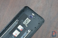 Asus Zenfone 2 Deluxe - SIM and MicroSD Card Slots
