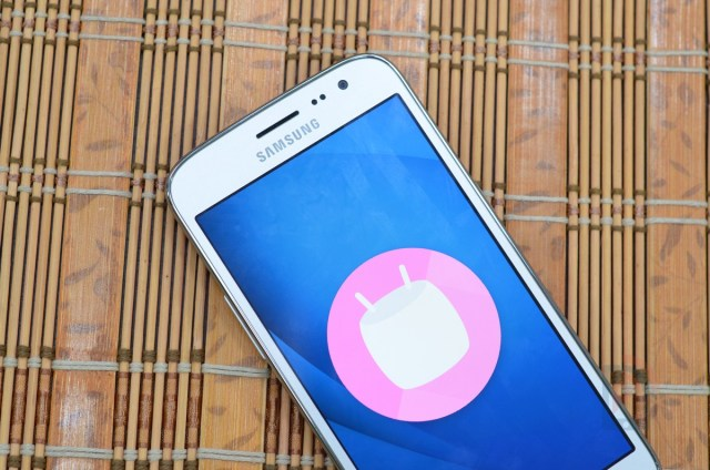 Samsung Galaxy J2 2016 - Android Marshmallow